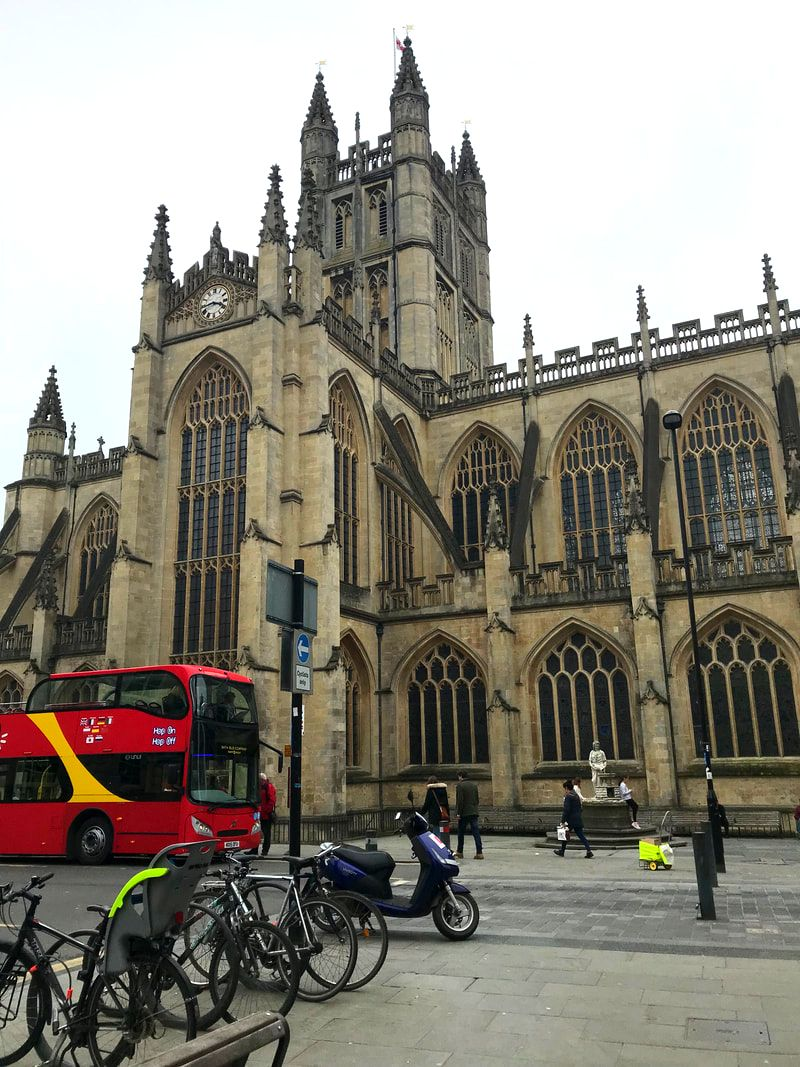 Bath Abbey, Exterior. A Day Trip to Bath from London.
