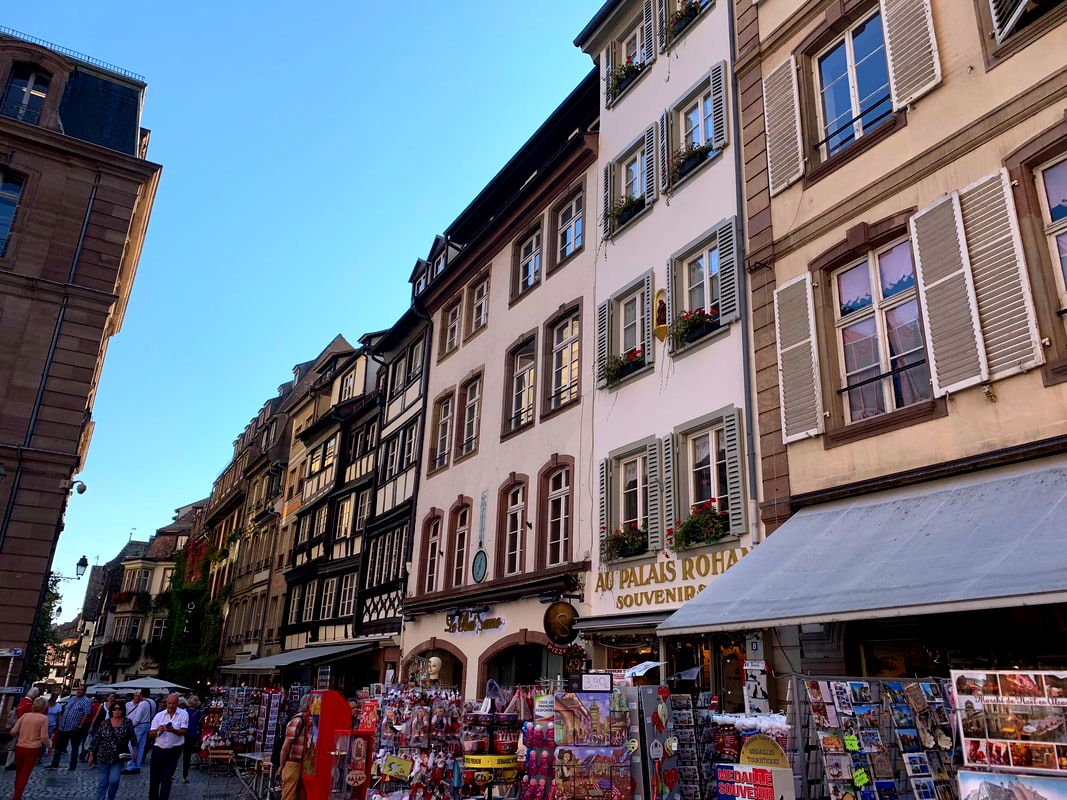 Buying Souvenirs in Europe
