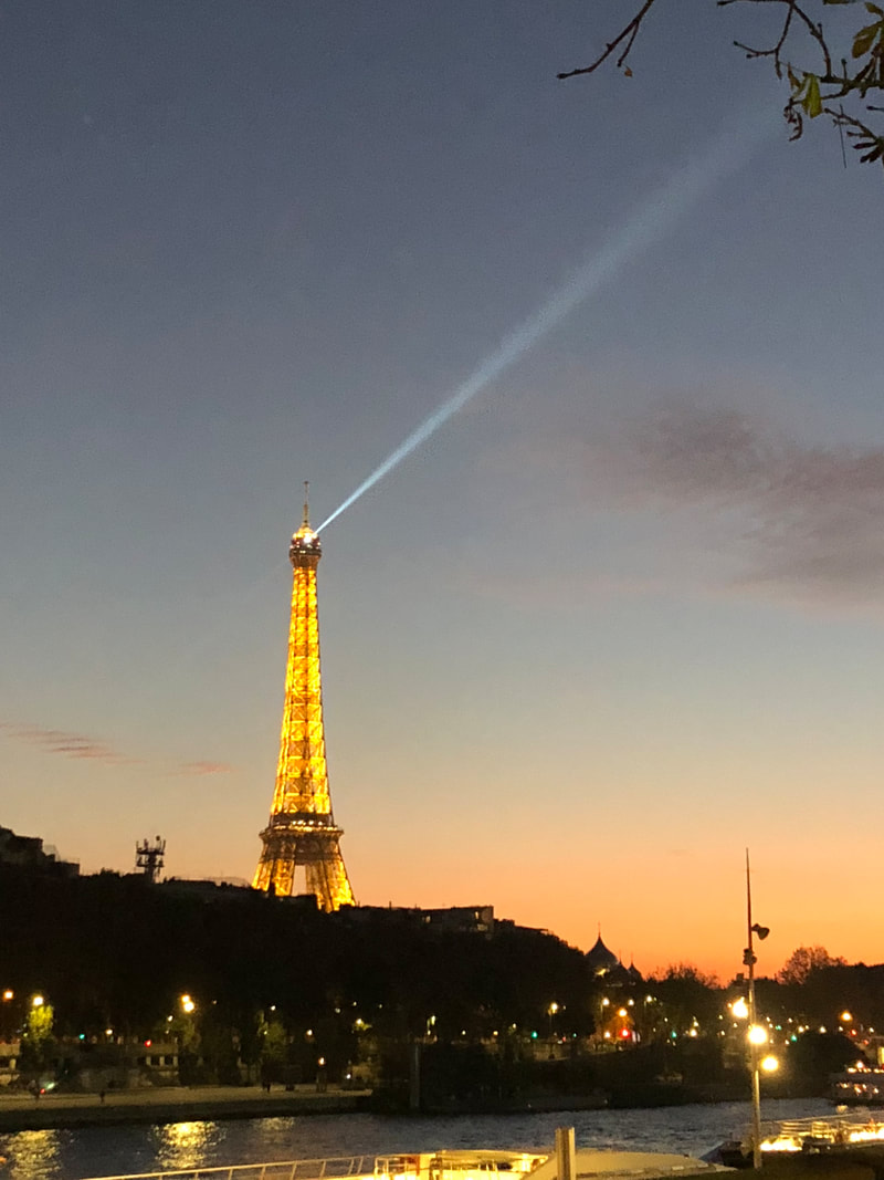 Where to watch the Eiffel Tower at night