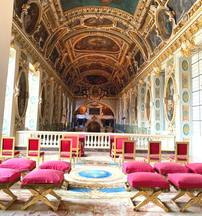 The upper portion of the chapel at the Chateau de Fontainebleau